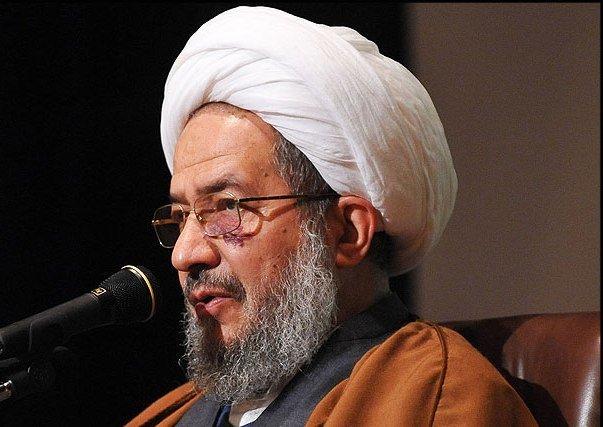وظیفه روحانیون و دانشگاهیان در تقویت وحدت حوزه و دانشگاه