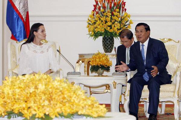 حمایت نخستوزیر کامبوج از فیلم جدید آنجلینا جولی