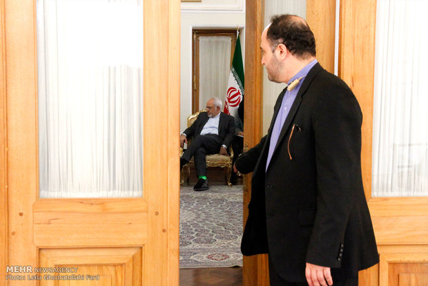 دیدار معاون وزیرامور خارجه ژاپن باوزیر امورخارجه ایران