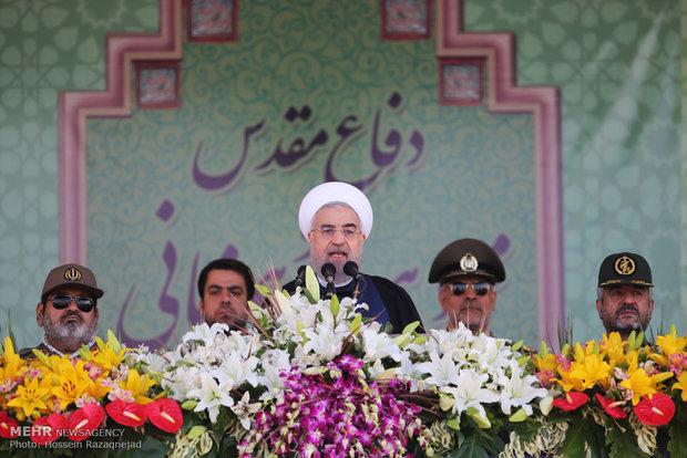 روحاني : أقوى جهة معادية للارهاب في المنطقة هي القوات المسلحة الايرانية