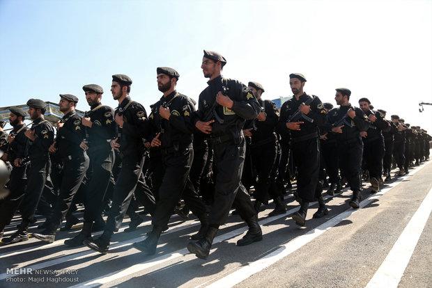 رژه نیروهای مسلح در قم برگزار شد