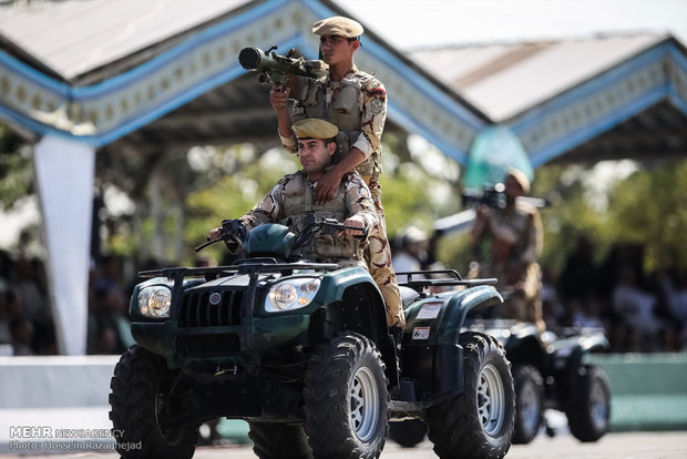مراسم رژه نیروهای مسلح