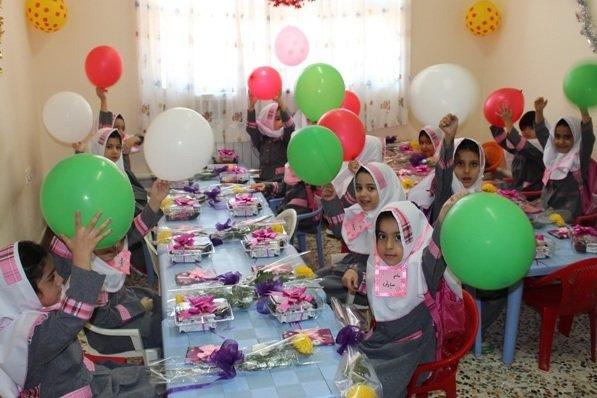 تحصیل بیش از ۱۰۰۰ دانش آموز پایه اول ابتدایی در مدارس صومعه سرا