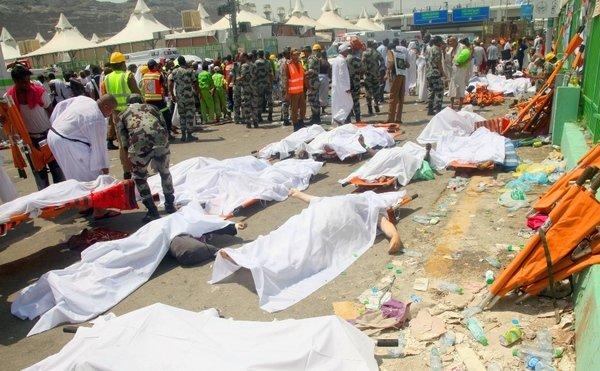 اللہ کے مہمانوں نے منی میں کفن پہن کر نااہل میزبان کو عالمی سطح پر رسوا کردیا