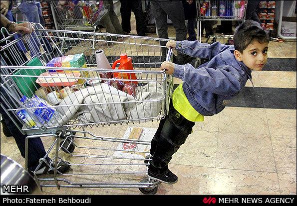 کالاهای تخفیف خورده هم فروش نرفتند/ ورود «دادزنها» به فروشگاهها