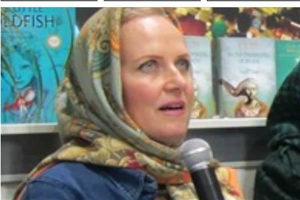 انگیزه یک آمریکایی برای ترجمه کتابهای دفاع مقدس