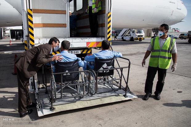 وصول اول مجموعة من المصابين في كارثة منى الى طهران