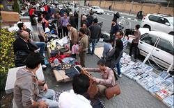 دستور نعمتزاده قاچاقچیان را دستفروش کرد/ کوچ پوشاک قاچاق از مغازهها به پیادهروها