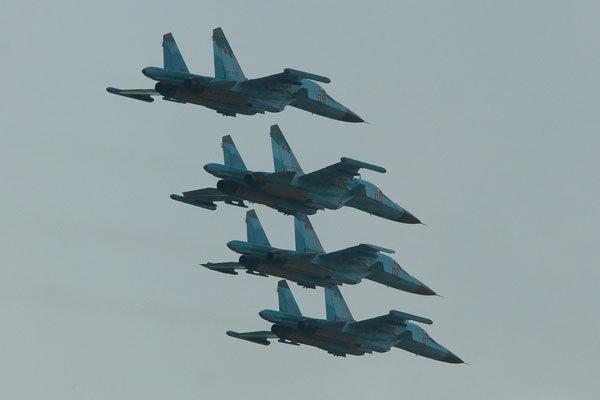 جنگنده های روسی مواضع داعش را در دیرالزور بمباران کردند