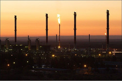 ايران تمتلك الورقة الرابحة لفترة انخفاض سعر النفط