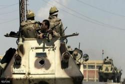 وفاة جنديين مصريين وإصابة 10آخرين بتفجير عبوة ناسفة بالعريش شمال سيناء