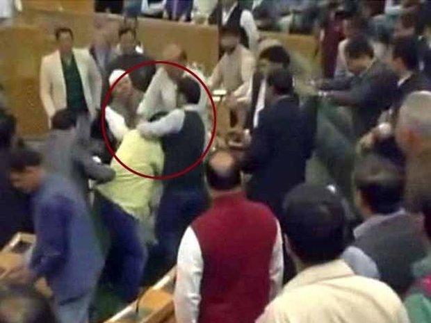 جموں کشمیر اسمبلی میں گائے کے بارے میں شدید ہنگامہ آرائی