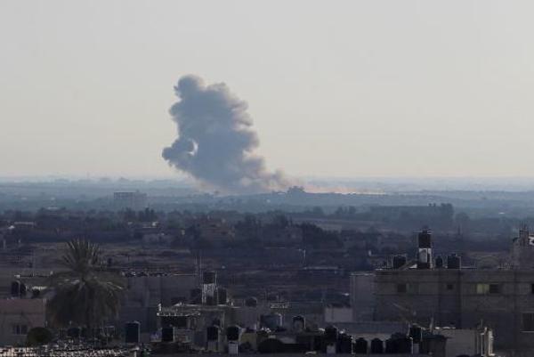 3 إصابات في سلسلة غارات إسرائيلية على قطاع غزة
