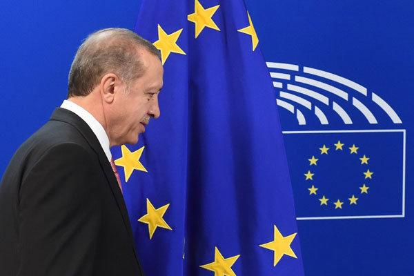 ترکی تین ارب یورو لیکر مہاجرین کو یورپ میں داخل نہیں ہونے دےگا