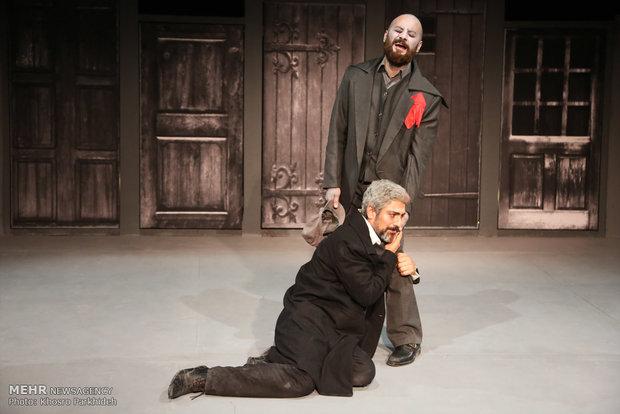 «نقد تئاتر» شبکه چهار به «جنایت و مکافات» کشیده شد