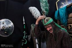 محرم گردی؛ از تکیههای کن تا موزه رضا عباسی
