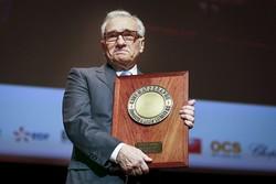 اهدای جایزه لومیر به مارتین اسکورسیزی با حضور عباس کیارستمی