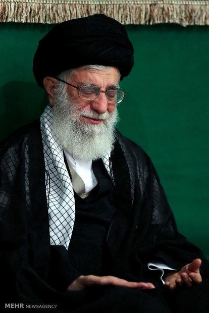 اقامة مراسم ليلة عاشوراء بحضور قائد الثورة الاسلامية
