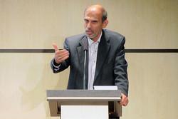 تمایز مکاتب فلسفی از مکاتب فلسفه سیاسی