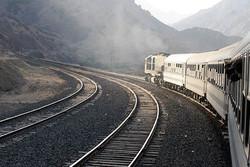 جاده و قطار