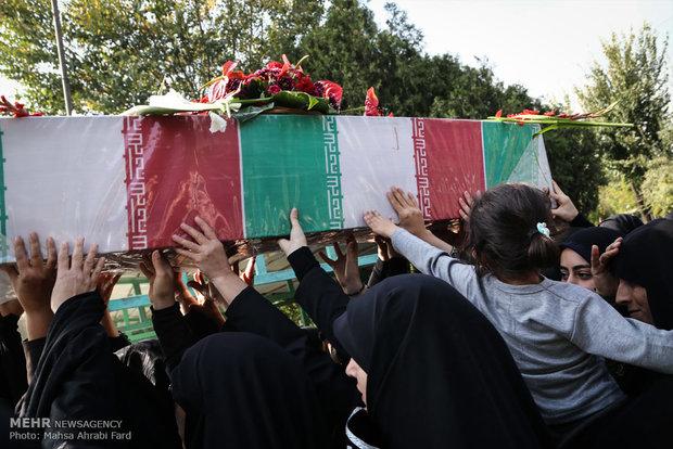 پیکر شهید مدافع حرم «حیدر انوری» در محمدشهر تشییع شد