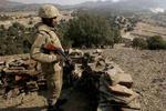 پاکستان کے فراری کمانڈر نے 20 ساتھیوں سمیت ہتھیار ڈال دیئے