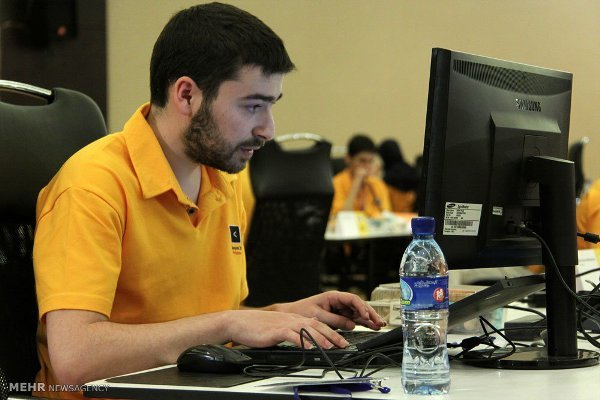 Iran's AUT wins gold at regional programming contest in Lahore