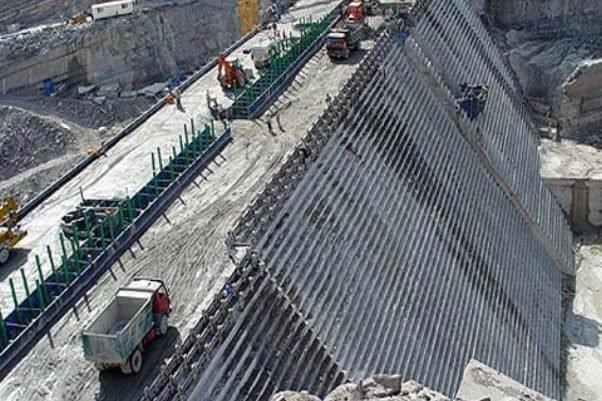 ساخت سد مخزنی دشت پلنگ در شهرستان دشتی آغاز شد