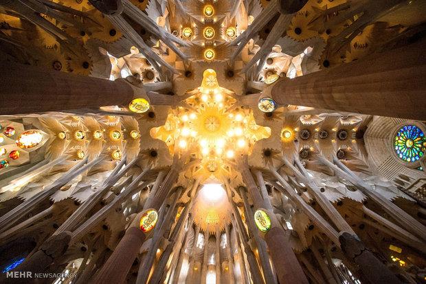 سفر به اسپانیا زیباترین مناطق گردشگری زیباترین مناطق توریستی توریستی بارسلونا توریستی اسپانیا