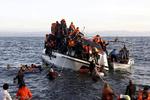 بحیرہ روم میں کشتی الٹنے سے 8 افراد ہلاک اور 100 سے زائد لاپتہ