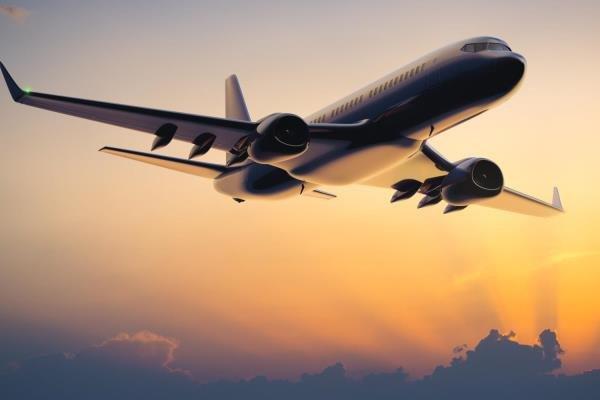 Rusya uçuşları açtı, ilk durak Antalya'daki deri fuarı