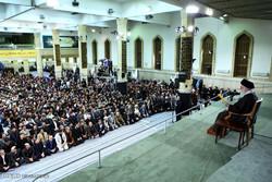 Leader receives university, school students