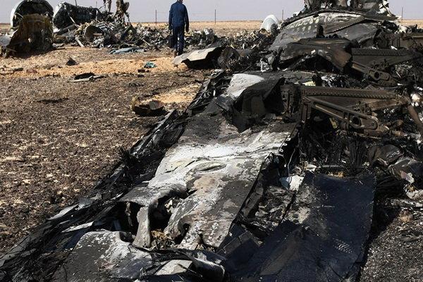 تحطم طائرة ركاب روسية على متنها 71 شخصا في موسكو