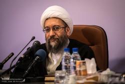 آملي لاريجاني يطالب بمحاكمة المسؤولين الامريكان لتورطهم بدعم الارهاب