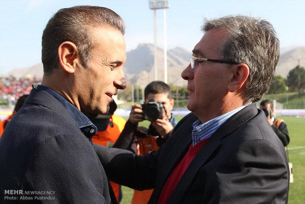 لقاء بين برسبوليس و ذوب آهن في اطار الدوري الممتاز لكرة القدم