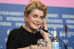 سینمای ترکیه به کاترین دنو جایزه میدهد