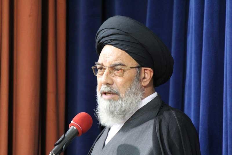 دشمن برای از بین بردن نفوذ ایران به دنبال تقویت داعش است