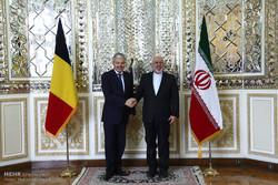 وزير الخارجية البلجيكي يلتقي ظريف في طهران