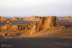 برهوتی از سردرگمی در کویر شهداد/ آلودگی محیط زیست تنها نتیجه گردشگری