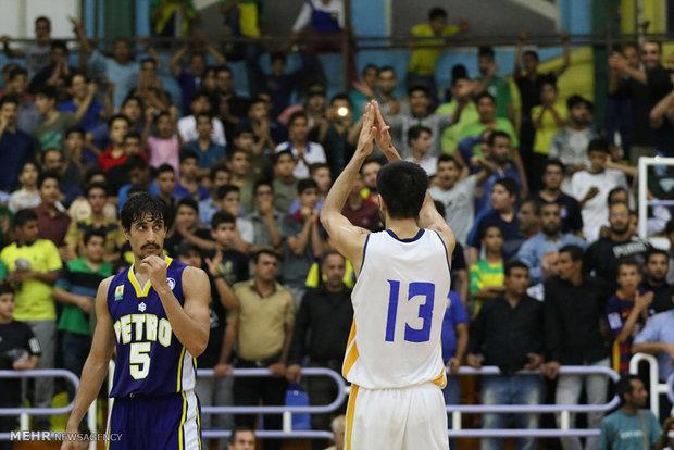 دیدار تیم های بسکتبال پالایش نفت آبادان  و پتروشیمی بندر امام