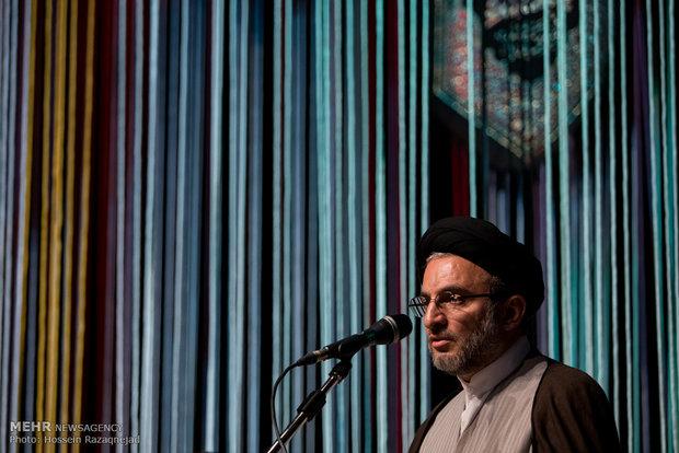 رئيس منظمة الاعلام الاسلامي : زيارة الامام الحسين (ع) تبني الحضارة والثقافة والمجتمع