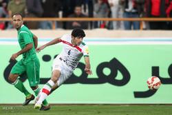 ایران اور ترکمنستان کی فٹبال ٹیموں کے درمیان مقابلہ