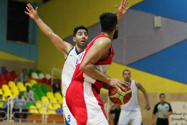 دیدار تیم های بسکتبال شرکت نفت آبادان و نیروی زمینی تهران