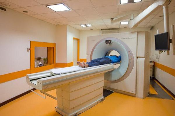 """توطين صناعة وإنتاج جهاز الأشعة المقطعي """"CT scan"""" في إيران"""