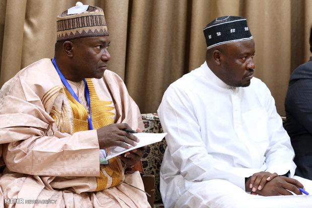 لقاء رئيس جمهورية نيجيريا مع قائد الثورة الاسلامية