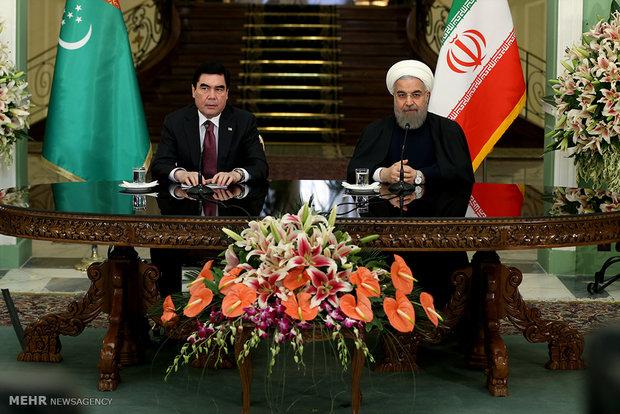 امضای اسناد و مصاحبه مشترک با رئیسجمهور تركمنستان