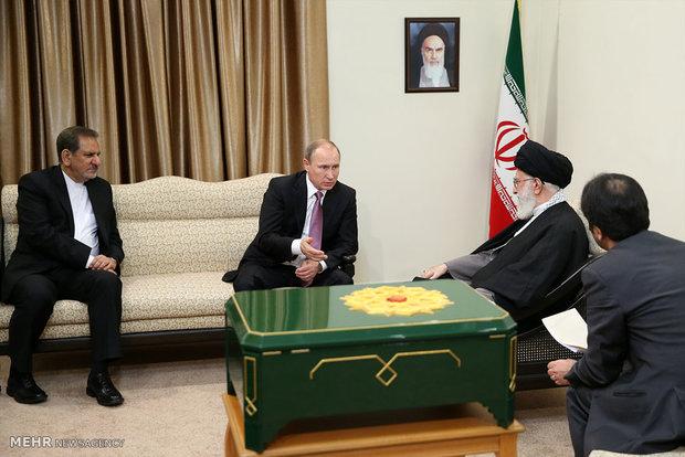 لقاء الرئيس الروسي مع قائد الثورة الاسلامية