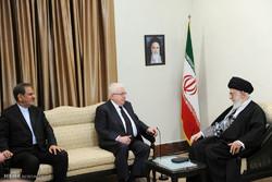 الرئيس العراقي يلتقي قائد الثورة الاسلامية