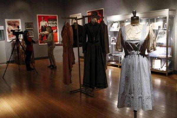 لباس «جادوگر شهر آز» ۱.۵ ميليون دلار فروخته شد