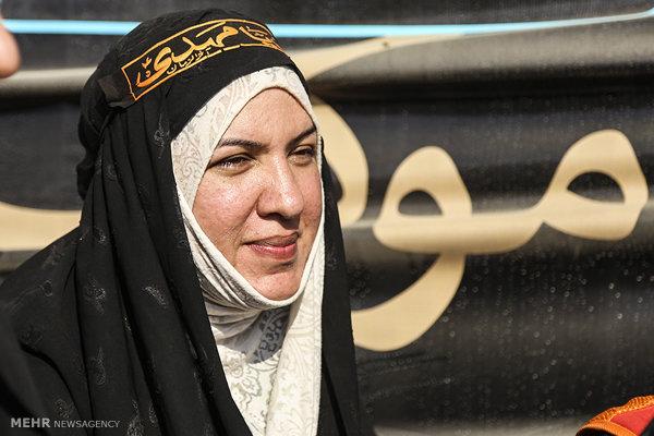 1927830 از زن مسلمان شده آمریکایی تا کاروان کاناداییها در مسیر کربلا
